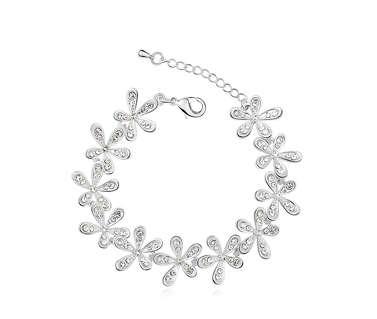 Браслет Белые цветы