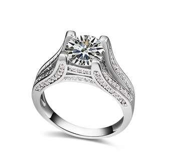 Белое кольцо с камнями Swarovski