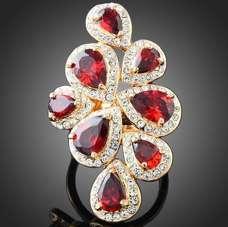 Кольцо с красными кристаллами Swarovski