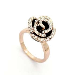 Кольцо Роза из чёрной эмали с Swarovski