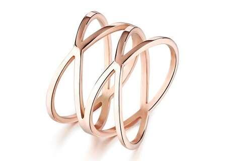 Стильное стальное позолоченное кольцо