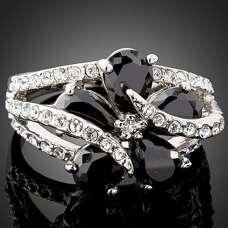Кольцо Цветок с чёрными Swarovski