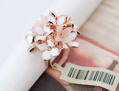 Массивное кольцо Букет цветов с Swarovski