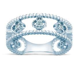 Серебряное нежное кольцо