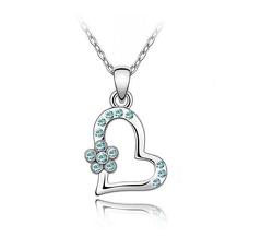 Кулон серце з ніжно-блакитним камінням