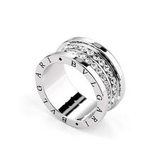 Белое широкое кольцо с цирконами
