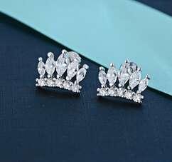 Серьги корона в белой позолоте