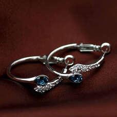 Стильные серьги кольца с синими кристаллами Swarovski