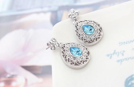 Серьги капельки с голубыми камнями Сваровски