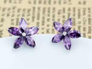Серьги Цветы с фиолетовыми цирконами
