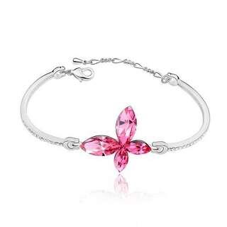 Изящный браслет с розовым камнем бабочка