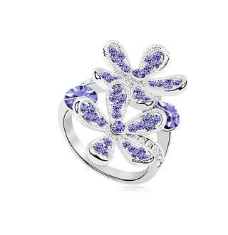 Крупное кольцо цветы с фиолетовыми камнями
