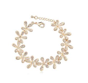 Красивый браслет в виде цветов