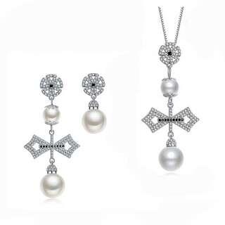 Комплект украшений крест с белым жемчугом и камнями